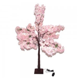 Albero con fiori in...